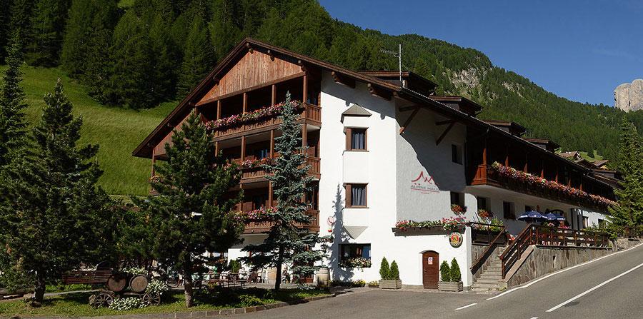 Beautiful Azienda Soggiorno Selva Val Gardena Ideas - Design and ...